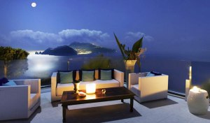 best-restaurants-with-a-view-in-italy-including-venice-amalfi-coast-and-rome-night-relais-blu1
